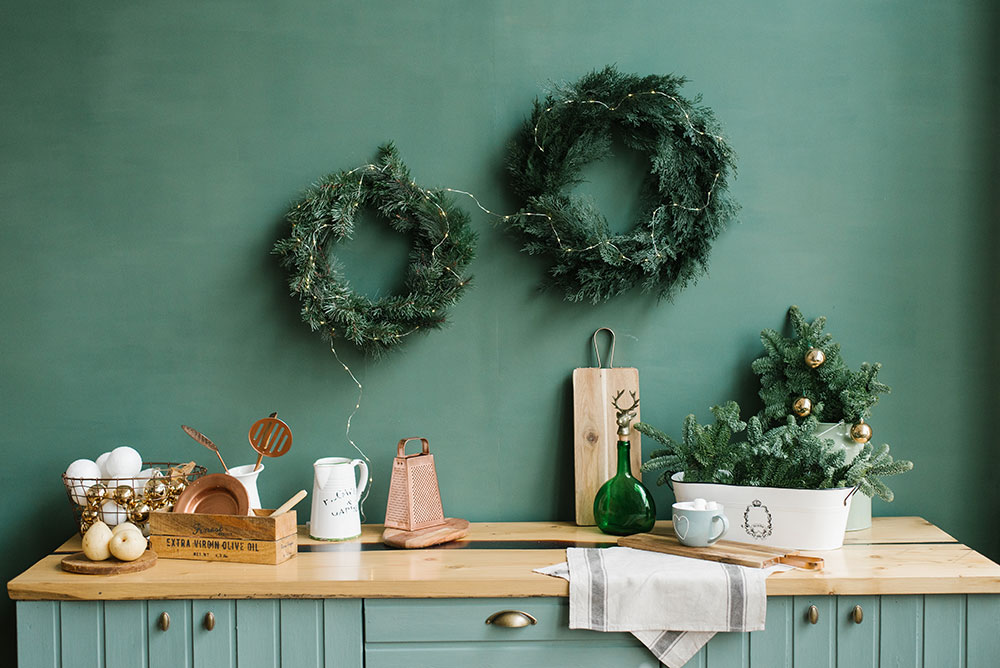 Emerald green color kitchen wall